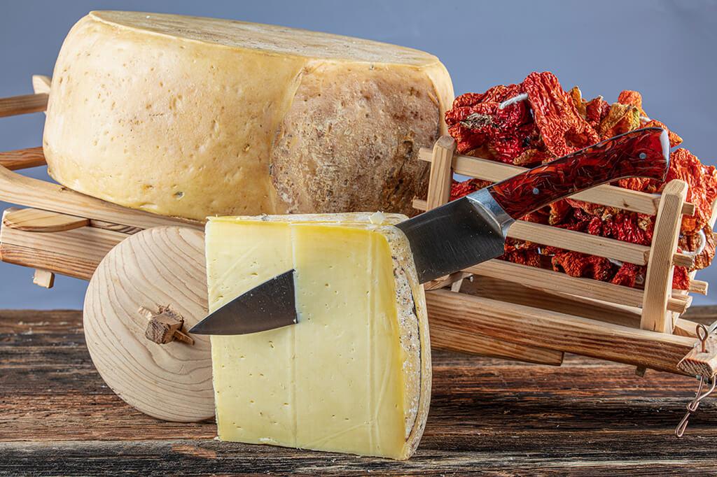 Kars Eski Kaşar Peyniri ve Faydaları Nelerdir?